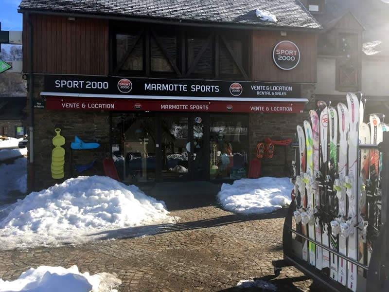 Magasin de location de ski LA MARMOTTE SPORT, 16 Place des Balalans à Loudenvielle