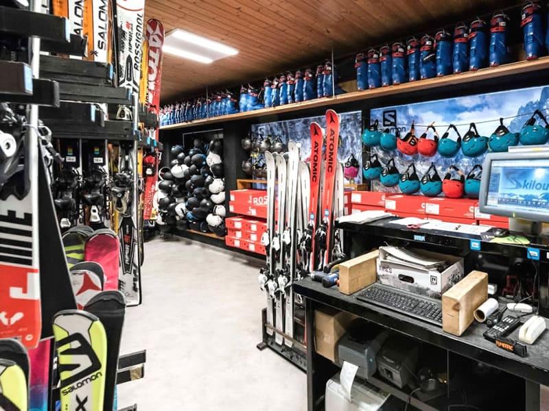 Magasin de location de ski SPORTS MOUNTAINS à 2 Avenue Emmanuel Brousse, Font Romeu