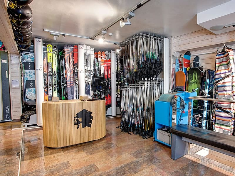 Magasin de location de ski Pic Negre XVI, Av. d'Encamp 13 à Pas de la Casa