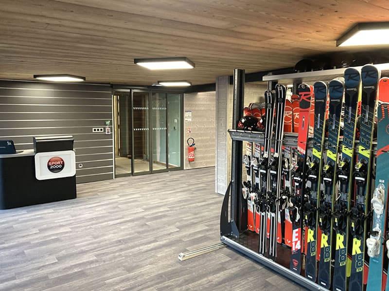 Magasin de location de ski Alpina Ski Shop à Batiment Club Alpina - Rue des Hauts du Crey, Champagny en Vanoise
