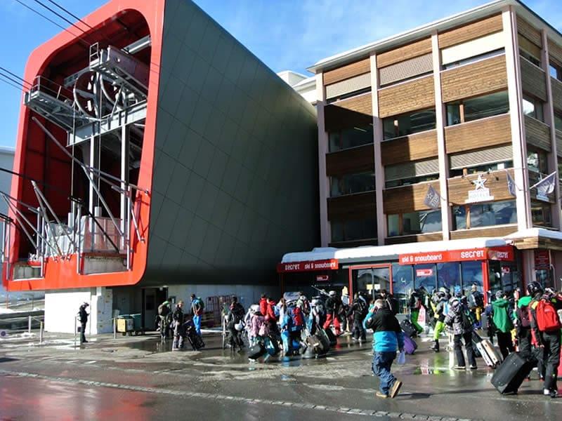 Magasin de location de ski Top Secret Ski & Snowboard Company, Brämabüelstrasse 11, Talstation Jakobshornbahn à Davos-Platz