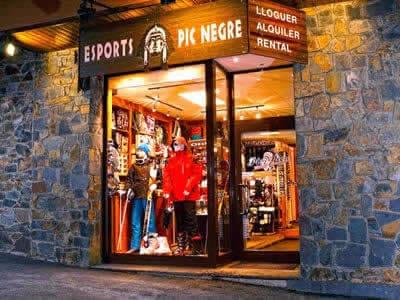 Magasin de location de ski Pic Negre VII, Arinsal à C/Général Edifici Areny (Entrada Pueblo)