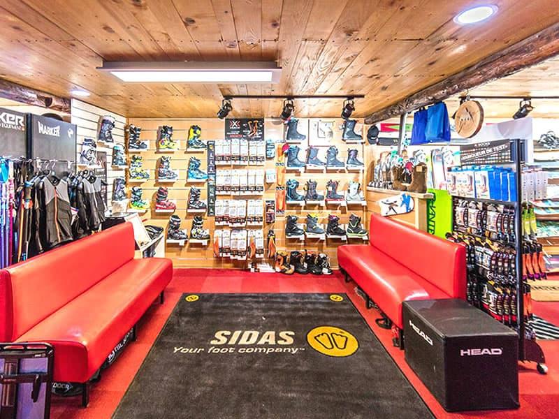 Magasin de location de ski SPORT'S MOUNTAIN, Centre Cial L'Aravet-VILLENEUVE la Salle à Serre Chevalier Villeneuve