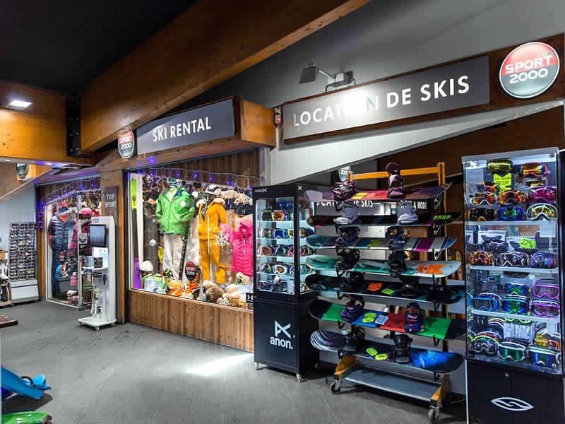 Magasin de location de ski TOP SPORTS à Centre Commercial de Caron, Val Thorens