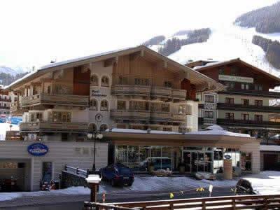 Magasin de location de ski Snow & fun Hinterglemm, Hinterglemm à Dorfstrasse 204