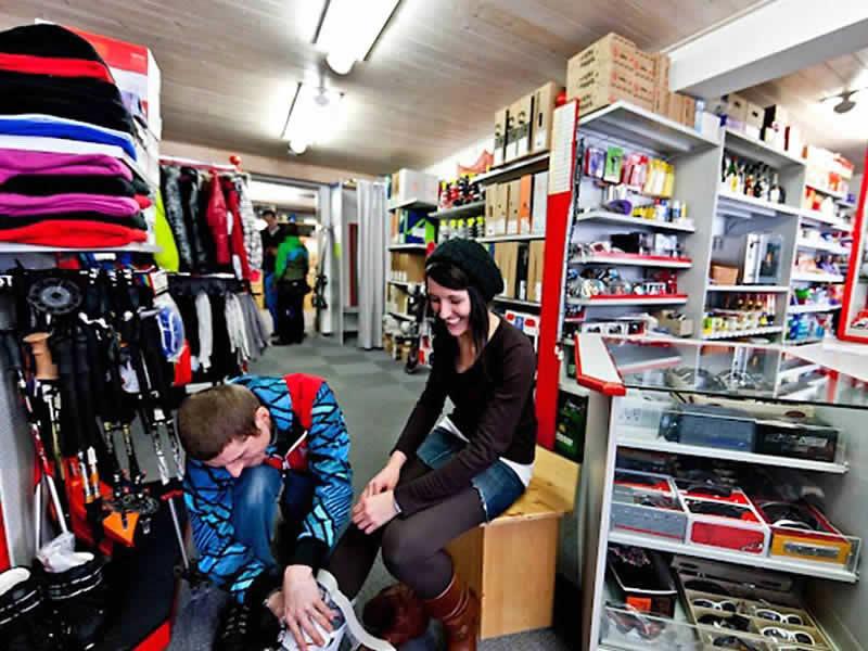 Magasin de location de ski SPORT 2000 Schöttl à Falkenburg 102 in 8952 Irdning (10 min. von Tauplitz), Tauplitz