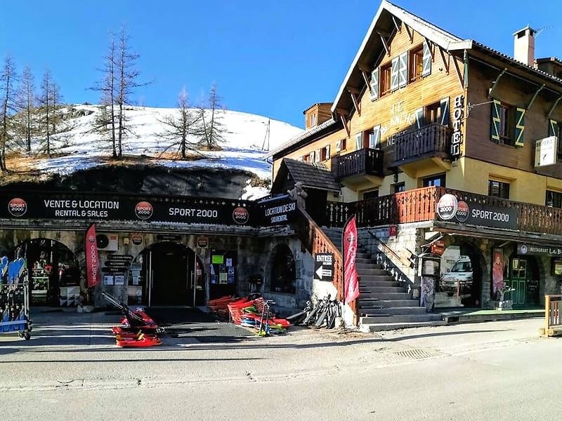 Magasin de location de ski BLANCHE NEIGE SPORT à Hôtel Blanche Neige, Valberg
