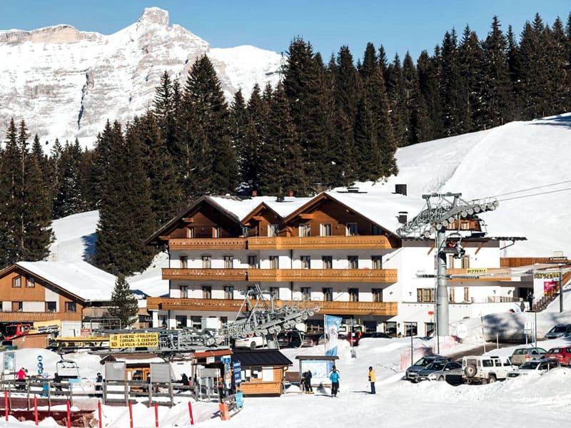 Magasin de location de ski Ski Service da Nico, Hotel Laguscei - Passo Campolongo à Arabba