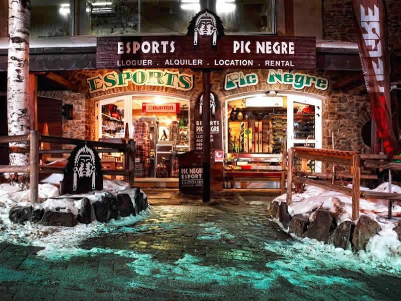 Magasin de location de ski Pic Negre IV à Hotel Llop Gris (Salida Estación), El Tarter