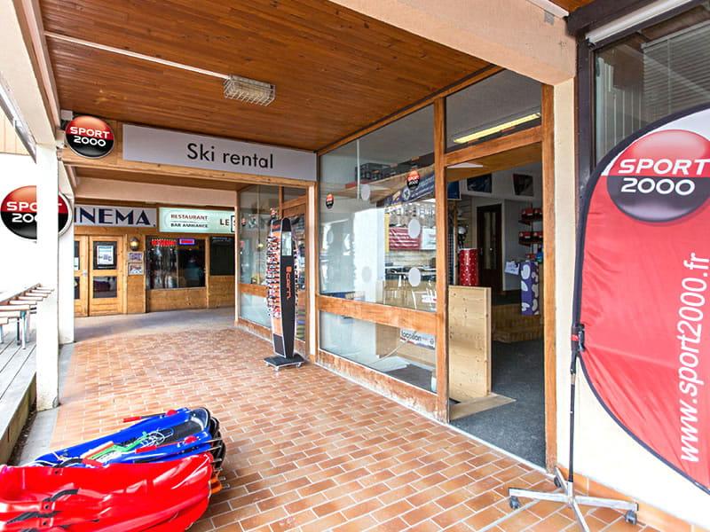 Magasin de location de ski SPORT 2000 ARIANE à Immeuble Ariane, Le Corbier