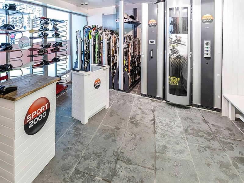 Magasin de location de ski WHITE STORM à Immeuble Le Grand Bois, La Tania
