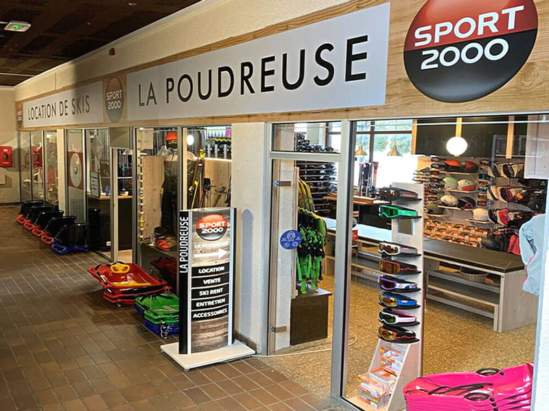 Magasin de location de ski LA POUDREUSE à Immeuble le Pégase Phénix, Le Corbier