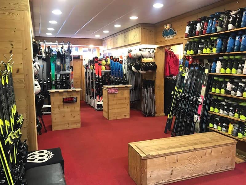 Magasin de location de ski LA SKIRIE à L'Eperon- 70 Avenue de la Muzelle, Les Deux Alpes