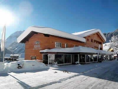 Magasin de location de ski Sport Hilbrand, Kleinwalsertal - Mittelberg à Moosstrasse 7 [Talstation Walmendingerhornbahn]