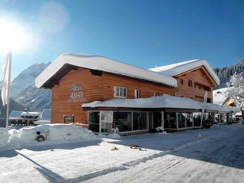 Magasin de location de ski Sport Hilbrand à Moosstrasse 7 [Talstation Walmendingerhornbahn], Kleinwalsertal - Mittelberg