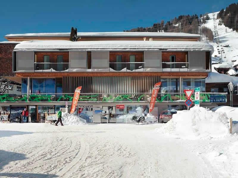 Magasin de location de ski SPORT 2000 Jennewein Dorf à Neben Galzigbahn Talstation im Hotel Anton, St. Anton am Arlberg