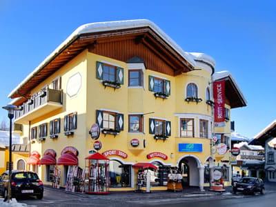 Magasin de location de ski SPORT 2000 Weitgasser, Altenmarkt à Obere Marktstraße 5