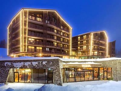 Magasin de location de ski Gisler Sport, Arosa à Oberseepromenade 2 - Valsana Hotel und Appartement