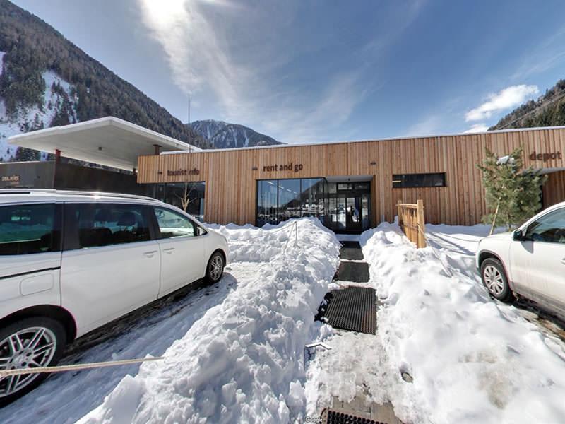 Magasin de location de ski Exclusive rentasport, Partenza seggiovia / Talstation Seilbahn, Pracupola, 409 / Kuppelwies 409 à St. Walburg Ultental