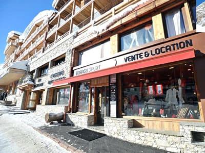 Magasin de location de ski BORASO SPORT, Val d Isere à Place des Dolomites
