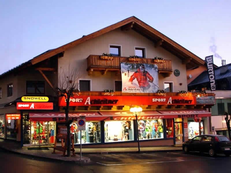 Magasin de location de ski Achleitner Sport à Postplatz 2, Zell am See