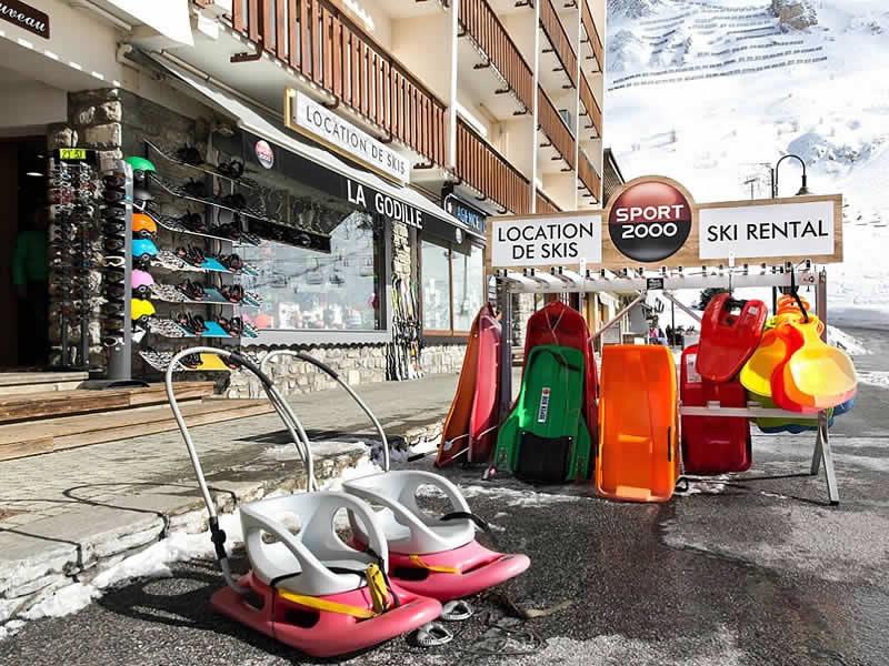 Magasin de location de ski LA GODILLE à Promenade de Tovière - Le Rosset, Tignes Le Lac