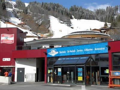 Magasin de location de ski Snow & Fun Hinterglemm, Hinterglemm à Reiterkogelbahn Talstation