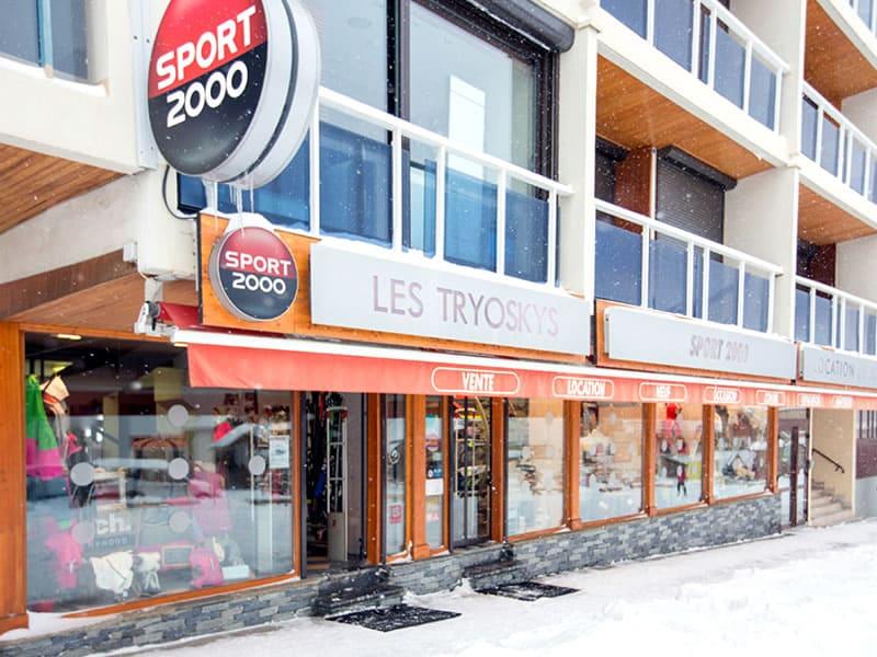 Magasin de location de ski LES TRYOSKYS à Résidence L'Ouillon, La Toussuire