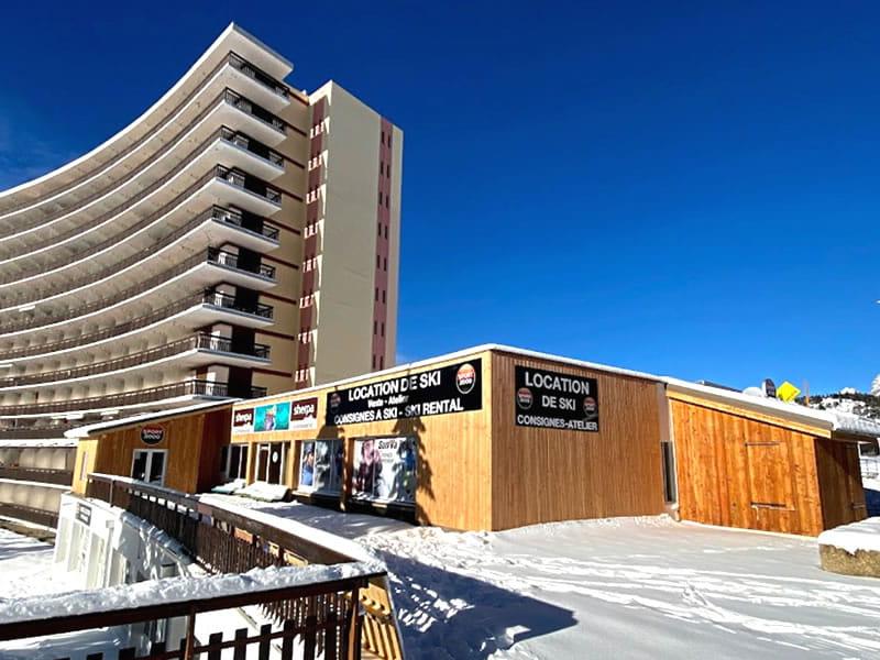 Magasin de location de ski ALTISKI Issarts à Rond point des Issarts, Superdévoluy