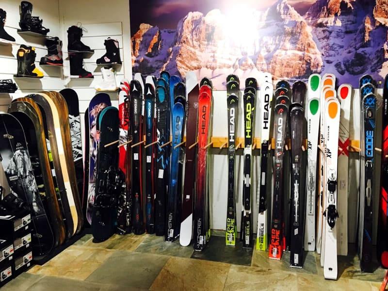 Magasin de location de ski Snowline, Route du Village 4 à Morgins