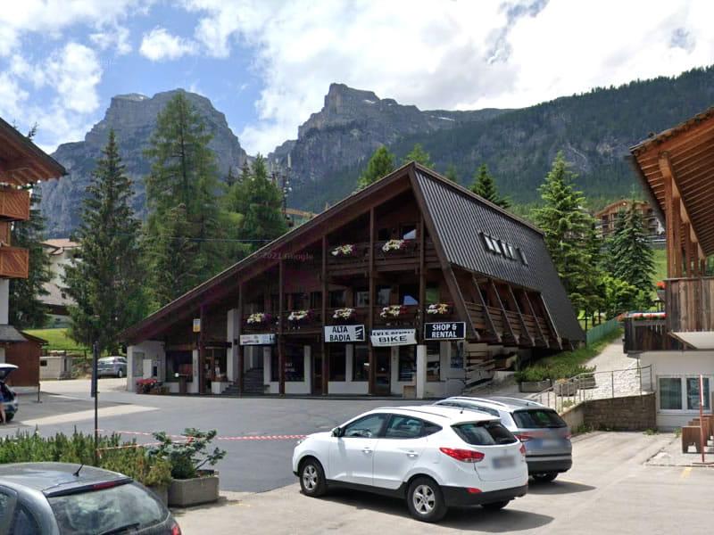 Magasin de location de ski Alta Badia Shop & Rental à Streda Colz 60, Alta Badia-La Villa/Stern