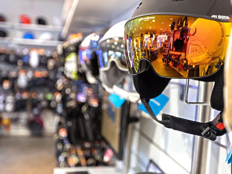 Magasin de location de ski Peak Sport Adventure à Strèda de Pareda 79, Canazei