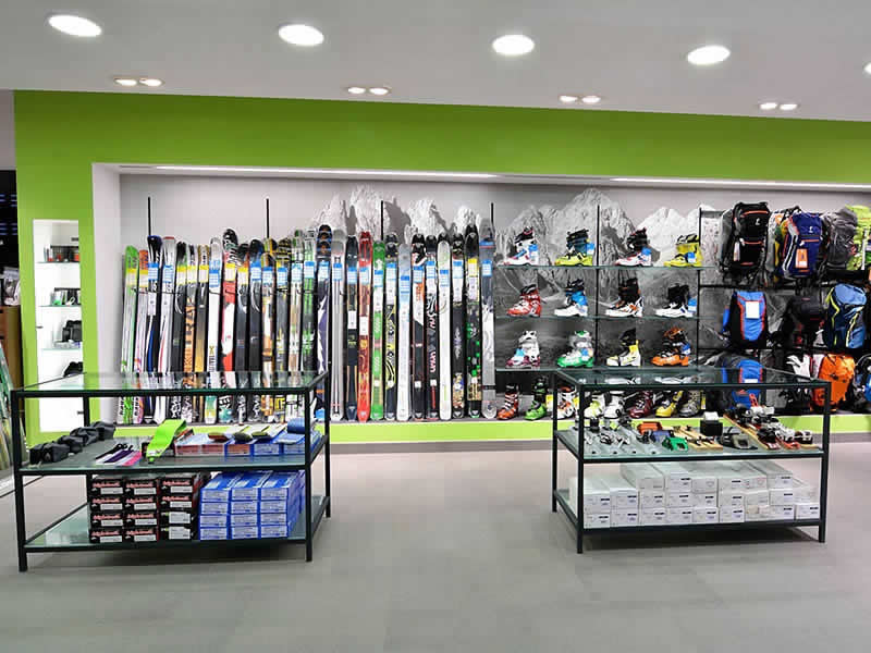 Magasin de location de ski Intersport Rent, Streda Dursan, 98 - Via Dursan, 98 à St. Christina - Grödental