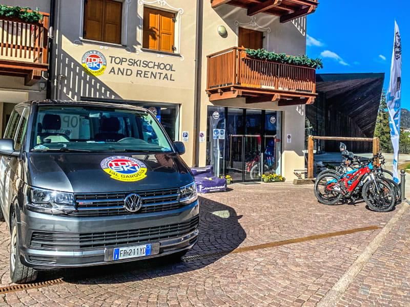 Magasin de location de ski Top Ski Rental, Streda Meisules 104 à Wolkenstein-Selva Gardena