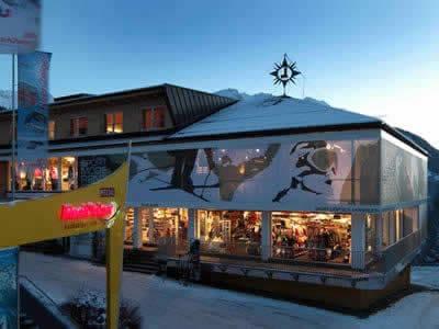 Magasin de location de ski Sport Lentsch - Sport vor Ort, Arzl im Pitztal à Talstation Hochzeigerbahn Jerzens