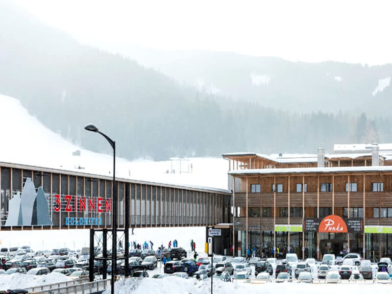 Magasin de location de ski Rent & Go Drei Zinnen Ski & Bike à Talstation Kabinenbahn, Vierschach bei Innichen