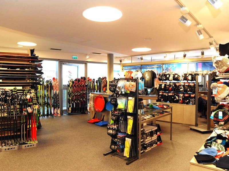 Magasin de location de ski Check In à Talstation Schattbergbahn, Saalbach