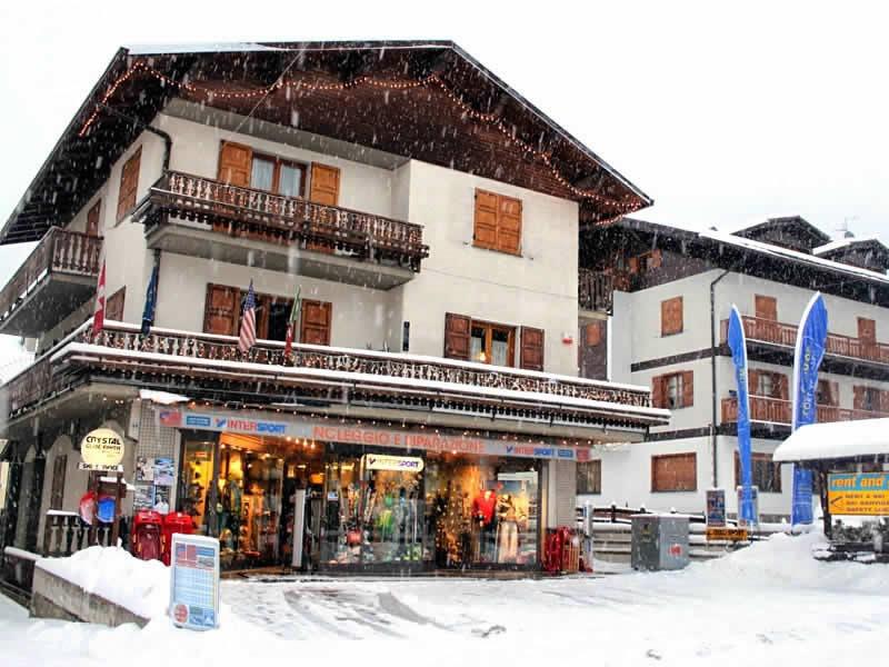 Magasin de location de ski Cecco Sport à Via Funivia, 55, Bormio