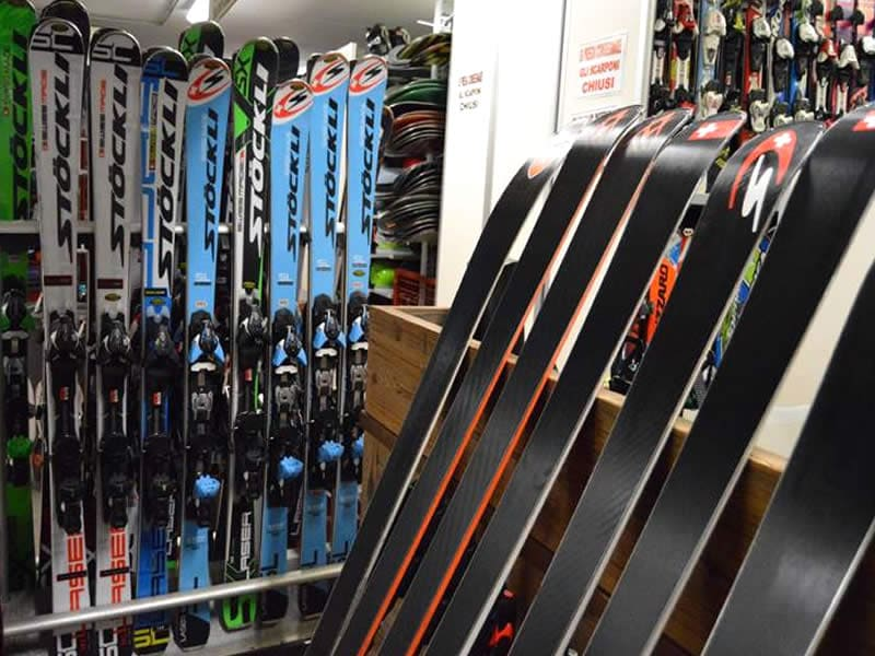 Magasin de location de ski IL COMODO SCI, Via N. Bolognini, 82 à Pinzolo