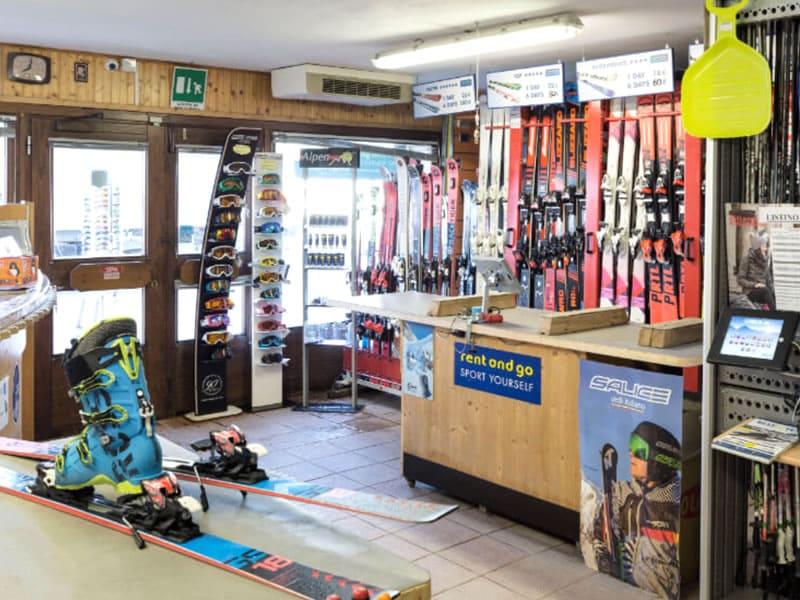 Magasin de location de ski Noleggio Delpero à Via Nazionale, 3/A, Passo Tonale