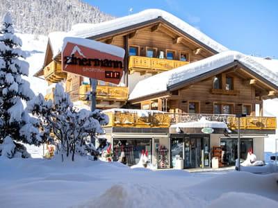 Magasin de location de ski Zinermann Sporting, Livigno à Via Plan, 21H