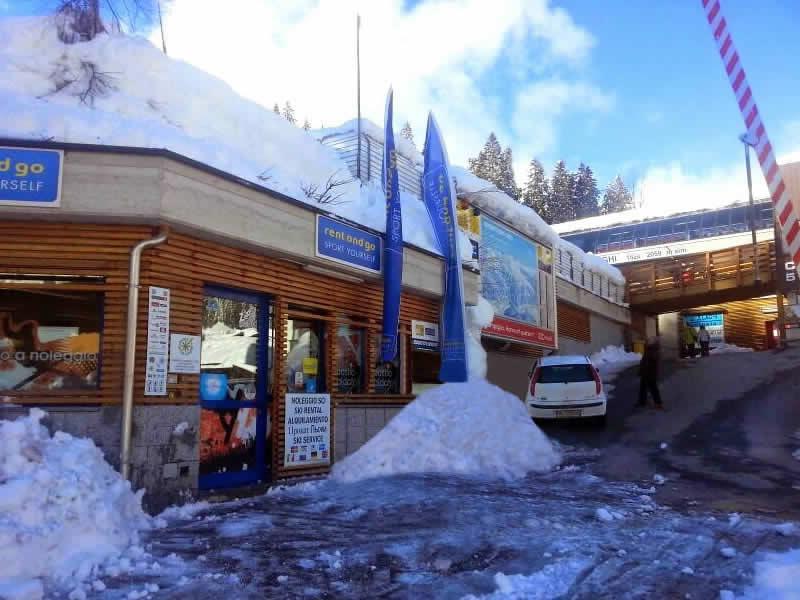 Magasin de location de ski Noleggio del Brenta 5 Laghi à Via Presanella, 12, Madonna di Campiglio