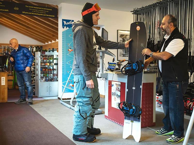 Magasin de location de ski 4810 rental à Village Grivel Via des Forges, 3, Courmayeur